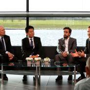 Dennis, Arai-San, Alonso y Button, en la presentación de McLaren Honda - LaF1