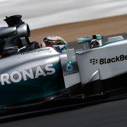 Mercedes ganará a pesar de la prohibición del FRIC, según Lauda - LaF1.es