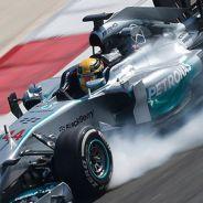 """Hamilton: """"El W05 responde bien a mi pilotaje y el motor promete"""""""