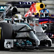 Lewis Hamilton, en paralelo con Sebastian Vettel en Baréin - LaF1