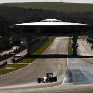 Mercedes exhibe dominio y serenidad en los test de Jerez - LaF1