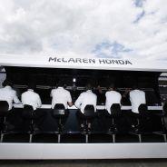 El muro de boxes de McLaren Honda en Silverstone - LaF1