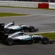 La actitud de los pilotos de Mercedes en la salida molestó a su jefe de equipo - LaF1