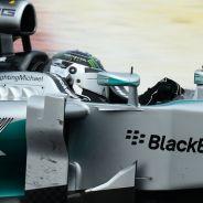 Rosberg manda en Sepang pero no se despega de Vettel y los Ferrari