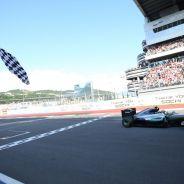 Mercedes lleva diez victorias consecutivas desde el Gran Premio de Japón de 2015 - LaF1