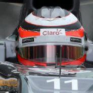 Nico Hülkenberg en el box de Sauber en Suzuka - LaF1