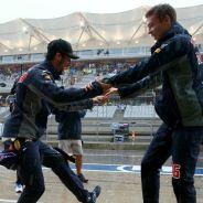 El baile entre los dos pilotos de Red Bull, de lo más comentado - LaF1
