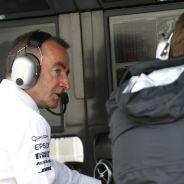 Lowe permanecerá en Mercedes - LaF1