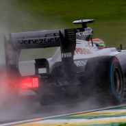 Pastor Maldonado en la lluvia de Sao Paulo - LaF1