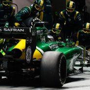 Pit stop de Charles Pic en el pasado GP de Singapur F1 2013 - LaF1