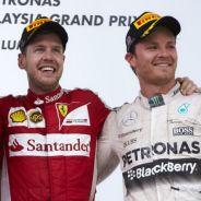 Lewis Hamilton, Sebastian Vettel y Nico Rosberg en el podio de Malasia - LaF1