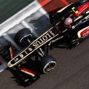 Romain Grosjean a los mandos de su E21 en Abu Dabi - LaF1