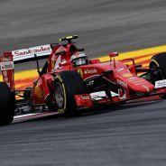 Kimi Raikkonen subido al SF15-T - LaF1.es