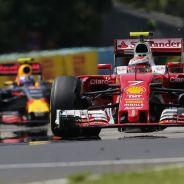 Kimi Raikkonen por delante de Max Verstappen en Hungría - LaF1