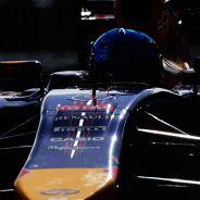 Helmut Marko no niega que Red Bull quiera cambiar de motorista