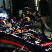 Sebastian Vettel en el box de Suzuka