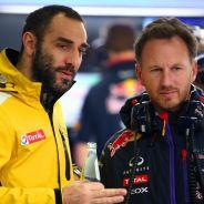 Cyril Abiteboul hablando con Christian Horner - LaF1