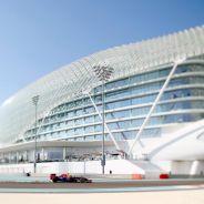 Ricciardo completó una genial carrera en Abu Dabi en 2014 remontando desde el final al cuarto lugar - LaF1