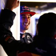 Daniel Ricciardo en el box de Red Bull - LaF1.es