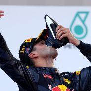 Ricciardo volvió a celebrar el podio con un 'shoey' - LaF1