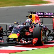 Daniel Ricciardo con el RB11 en Silverstone - LaF1