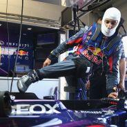 Daniel Ricciardo ya se subió al Red Bull RB9 en los test de Silverstone
