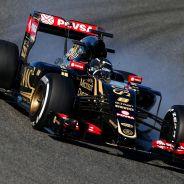 Romain Grosjean con el E23 en Jerez - LaF1.es