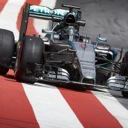 Nico Rosberg con el Mercedes en los test de Austria - LaF1