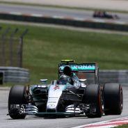 Mercedes llevará un alerón nuevo a Shanghai - LaF1.es