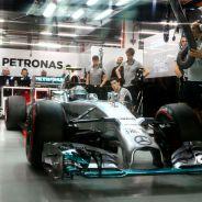Nico Rosberg en el box de Mercedes - LaF1