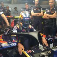 Carlos Sainz se prepara para los Libres 1 de Bélgica - LAF1