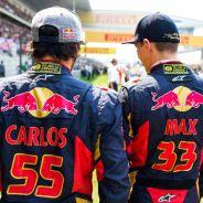 Carlos Sainz y Max Verstappen en la parrilla del GP de China - LaF1
