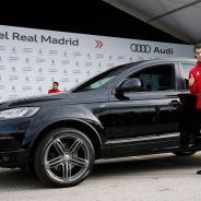 Gareth Bale posa con su nuevo vehículo de Audi - SoyMotor