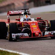 Vettel sigue esperanzado con su primer título con Ferrari - LaF1