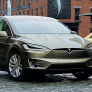 El Tesla Model X rodando en tráfico urbano - SoyMotor