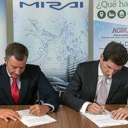 Agustín Martín, presidente de Toyota España, y Javier Brey, de la AeH2 - SoyMotor.com