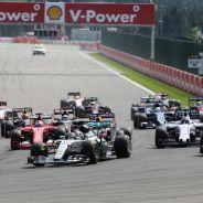 Cowell considera que los V6 facilitan la llegada de nuevos fabricantes - LaF1