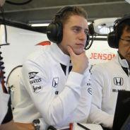 Stoffel Vandoorne en el box de McLaren - LaF1