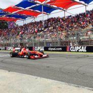 Jean-Eric Vergne con el Ferrari en Adelaida - LaF1.es