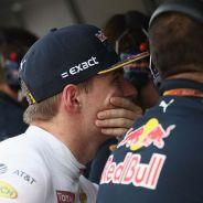 Max Verstappen, en el pit-wall tras su abandono - LaF1