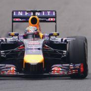 Sebastian Vettel dejó pasar a Daniel Ricciardo en el GP de China - LaF1
