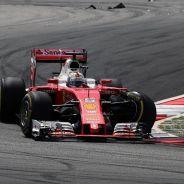Vettel abandonó en la primera vuelta con la suspensión rota - LaF1