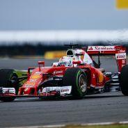 Vettel tiene contrato con Ferrari hasta 2017 - LaF1