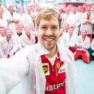 Sebastian Vettel en su visita a Maranello - LaF1