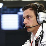 Toto Wolff revela por qué Mercedes envió una carta a los aficionados - LaF1