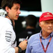 Wolff y Lauda habrían discutido por el asunto Red Bull - LaF1