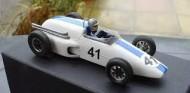 4 días para los test: el equipo de Louise Bryden-Brown introdujo los radiadores laterales 8 años antes de que Chapman hiciera el Lotus 72 - SoyMotor.com
