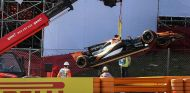 El McLaren MCL32 de Fernando Alonso en los Libres 1 de España - SoyMotor