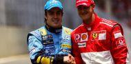Fernando Alonso y Michael Schumacher en Brasil 2006 - SoyMotor
