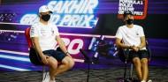 Valtteri Bottas y George Russell en Sakhir - SoyMotor.com